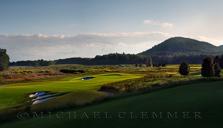 FarmLinks Golf Club, No. 18. Sylacauga, AL, Hurdzen/Fry architects.